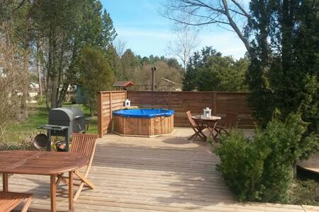 Backyard and terrace hot tub :) - Pori - Hus