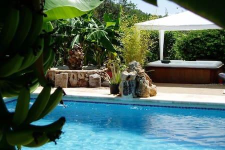 Villa con piscina en Ibiza ideal para relax - Sant Carles de Peralta - Vila