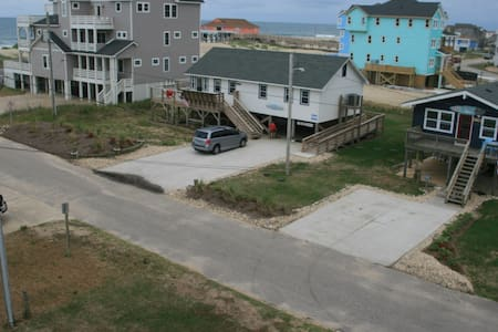 Aloha Too - 3rd house from ocean, 2016 Renovated - Rodanthe - Hus