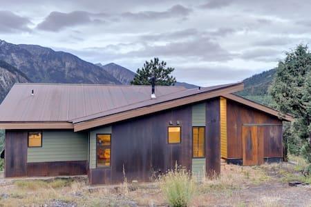 Eco-Chic Off-Grid Luxury Cabin - Casa