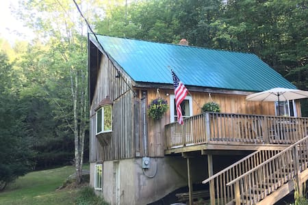 Secluded Catskill Cabin in Jeffersonville - Stuga