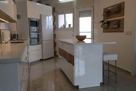 Appartement 5 pièces vue mer Poleg - Netanya