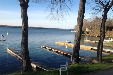 Lovely river front property. - Brockville - 独立屋