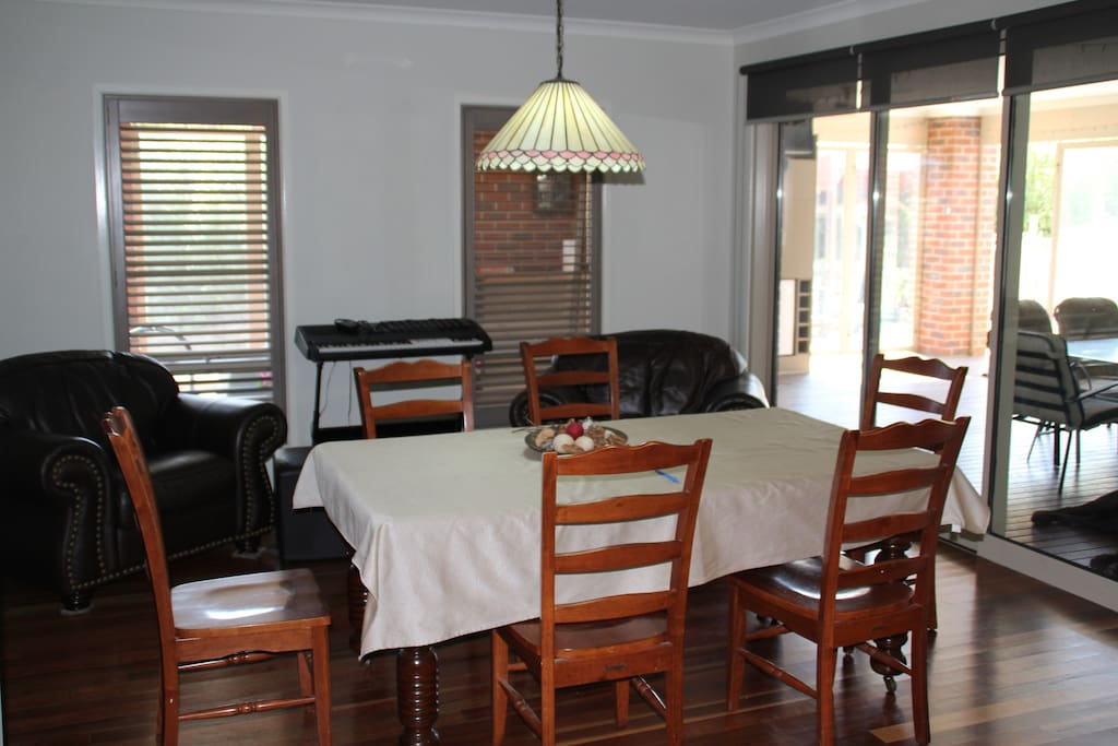 Dining Room. Comfortable and relaxing, music via wall switch.
