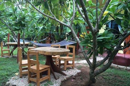 Kahala Cabinas #2 - Bungaló