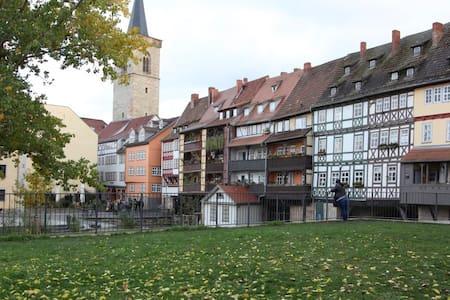 Schöne Altstadtwohnung - Erfurt - Appartement