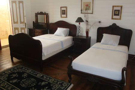 Private Palace (2nd room) - Puntarenas - Bed & Breakfast