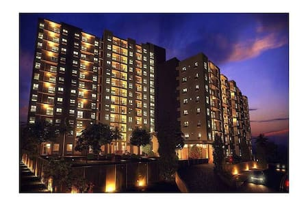 Quiet, Safe & Convenient Penthouse Suite - Angeles - Wohnung