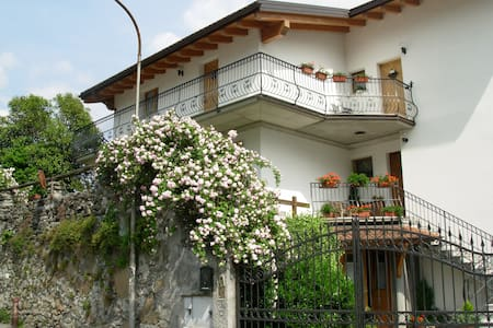 "B&B "" I PIOPPI "" - Bed & Breakfast"