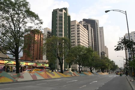 Spacious 2 Bedroom apartament in Downtown Med - Medellín - Apartment