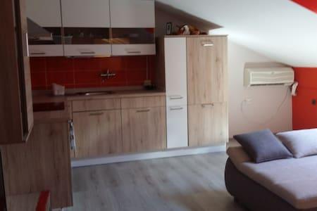 FRIENDLY HOME - Apartment