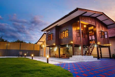 Premier Homestay Villa Lanna - Haus