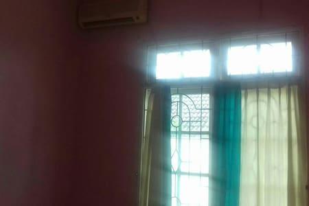 Borneo 2 - Balikpapan Baru Guest House - House