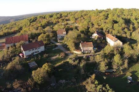 La Quercynoise - Corn - Rumah