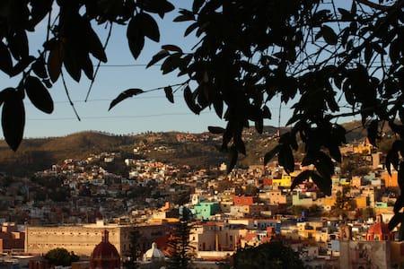 Habitación amplia en el Centro de Guanajuato. - House
