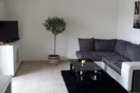Loue T2 de 48 m2 avec terrasse - Daire