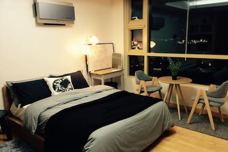 Visiting Seoul? Be at the center of it! - Apartment