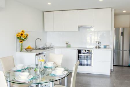 Modern 2 Bedroom - Miami - Maison
