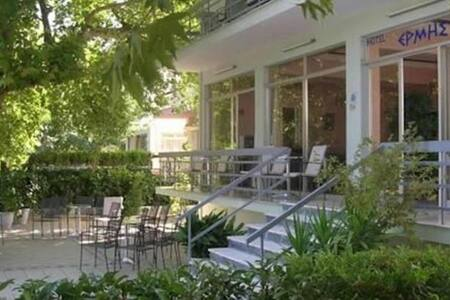 Hotel ERMIS - Ξενοδοχείο ΕΡΜΗΣ - Loutra Ipatis - Flat