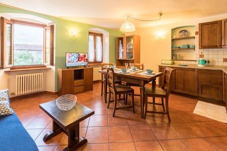 Alloggio accogliente nel cuore di Aosta - Appartamento