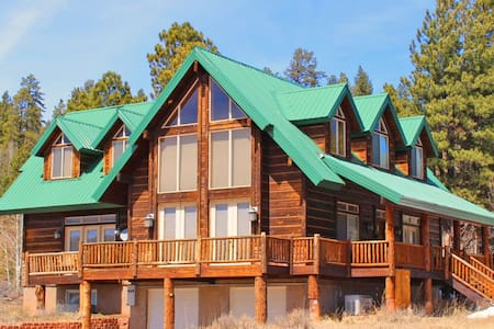 Luxury Cabin Sleeps 14 Near Zion and Bryce Parks! - Duck Creek Village - Cabin