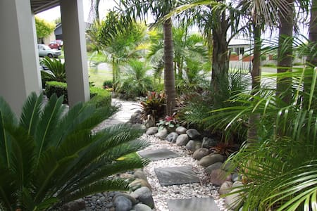 Parnwell Lodge Bed and Breakfast - Ohauiti