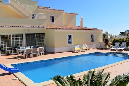 Superbe Villa, vue sur la mer, piscine privée - Villa