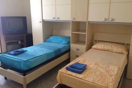 Appartamento 3 stanze per 4 persone - Apartment