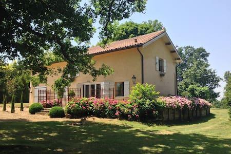 Vrijstaand vakantiehuis MOUSQUEY met privé zwembad - Casa