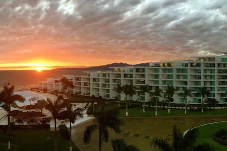 Acqua Nuevo Vallarta Beach Front Studio - Condominium