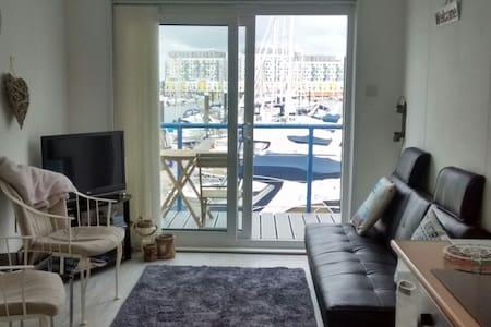 Brighton Marina 1 Bedroom Apartment - Outro