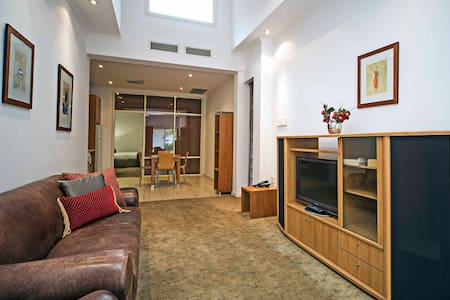 King Apartment in Prospect - Wohnung