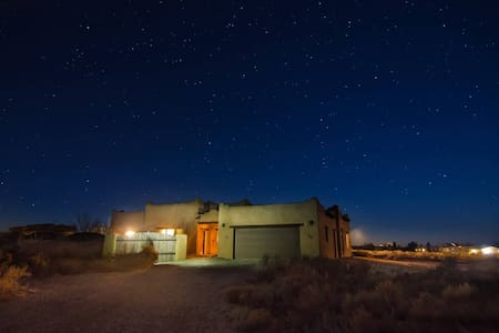 Spacious adobe on the edge of Taos - Arroyo Hondo - Haus