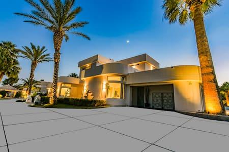 Villa Shangri-La #PrivateRoom - Las Vegas - Villa