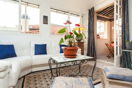 Charming town house with balcony - Antibes - House