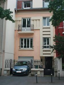 Maison de années 30 , centre de Nancy - Nancy