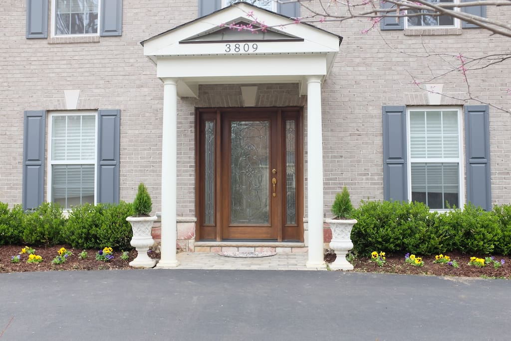 Guest entrance - separate & lots of privacy