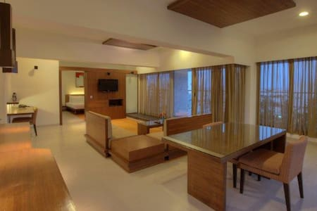 Keys Prima Hotel Parc Estique - Pune