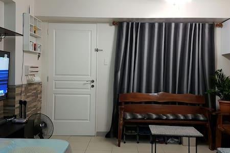 Sorrel Resideces Furnished 1BR Unit - Apartmen