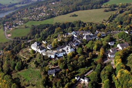 Gemütlich wohnen in der Eifel, Burgscheune Whg 1 - Apartment