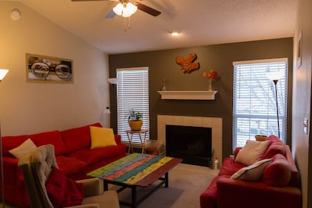 Cozy Apartment With Fireplace - Lubbock - Apartment