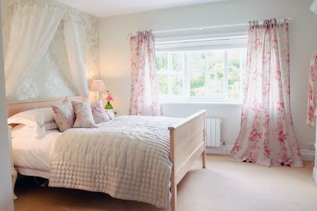 Pretty double room in Georgian Country House - Suffolk - Hus