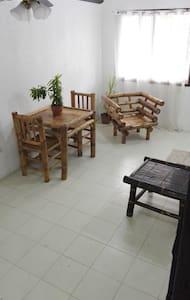 Johnnil's Tourist Inn - Appartamento