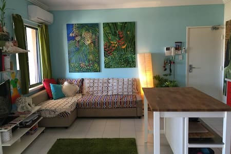 Bedroom for rent, one week minimum - Hamilton Hill - Apartment