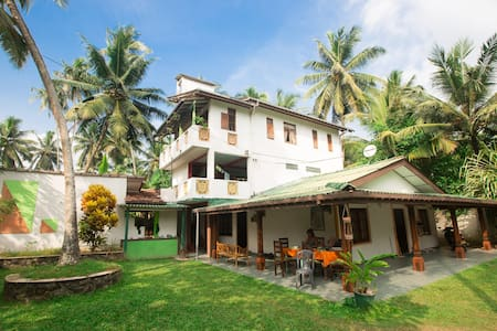 Villa 60 meters to the beach STNDRT - Balapitiya - Villa