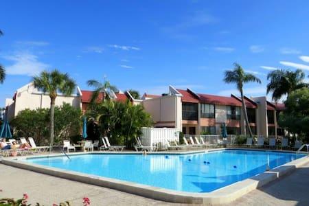 Your Anna Maria Island Vacation Awaits! - Bradenton Beach - Apartamento