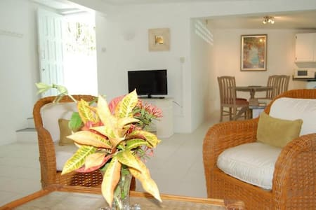 2 bedroom cottage on South Coast - Apartamento