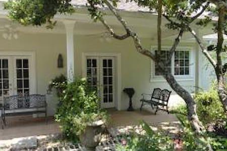 Executive Residence Downtown - Covington