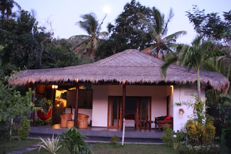 Ricefield bungalow authentic modern - Abang - Haus