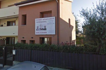 Appartamento con giardino in Brianza - Seregno - Reihenhaus